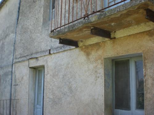 продажа дома в Италии, требующего капитального ремонта